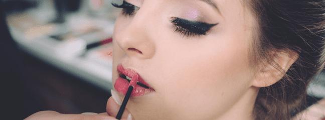 Frau mit schönem Makeup